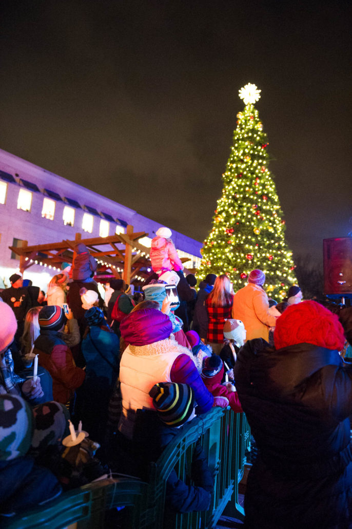 holiday lights celebration returns to creekside on november 19th - Celebration Christmas Lights